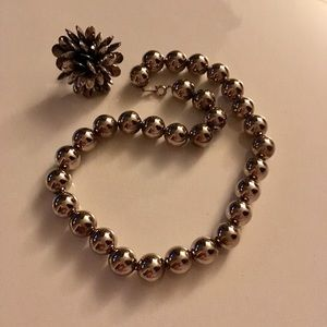 Jewelry - Vintage silver ball necklace
